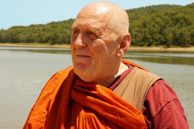 Bhante Vimalaramsi: remover las distracciones durante la meditación